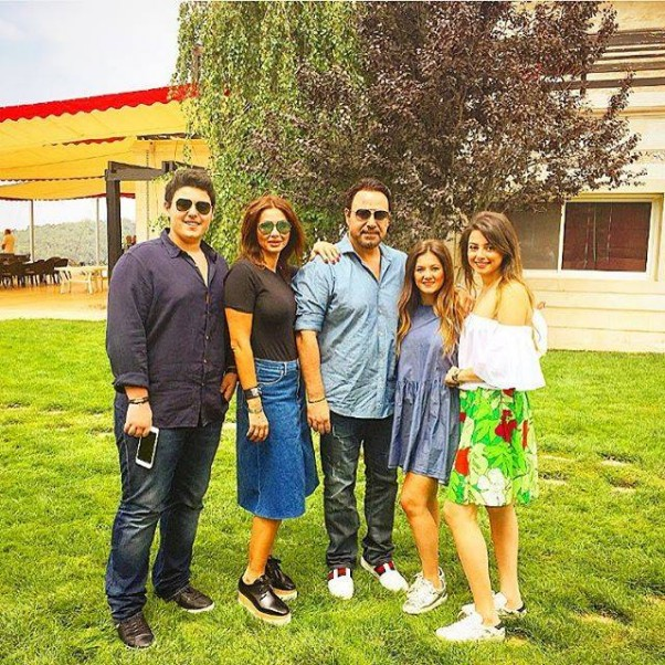 Music Nation - Assi El Hallani With His Family (3)