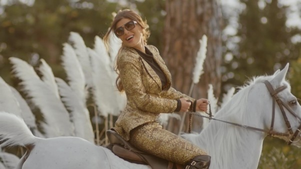 Music Nation - Dina Hayek - Releases Clip -  Hatetak b Rassi (1)