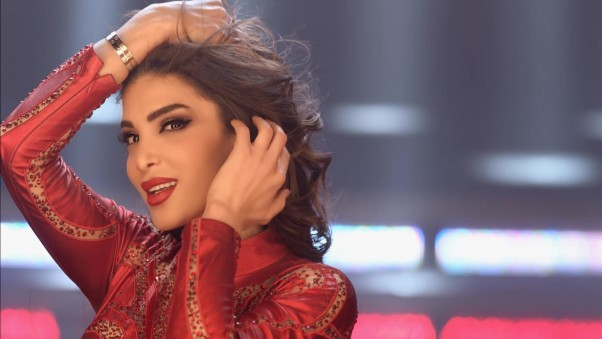 Music Nation - Dina Hayek - Releases Clip -  Hatetak b Rassi (4)