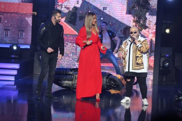 "Music Nation » بالصور – مايا دياب تتألّق على مسرح ""Celebrity"