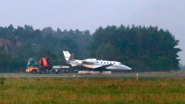 5c500592-cc56-4d67-bfae-24a08d6357c8-AP_Denmark_Pink_Plane