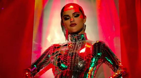 Selena Gomez – Look At Her Now